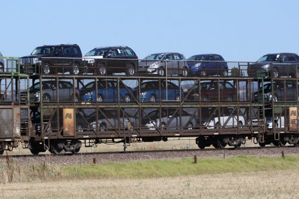 Triple deck car carrier RMDY 3148J on a westbound Pacific National freight outside Adelaide