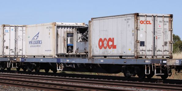 CQQY 2809P with a genset in the middle