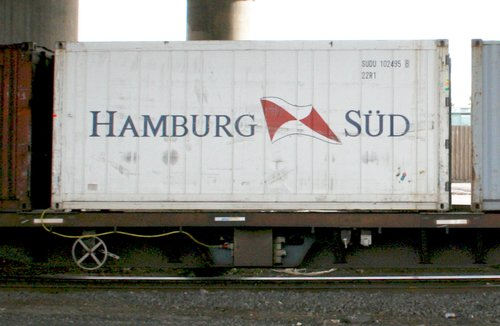 Refrigerated container on a PN intermodal train
