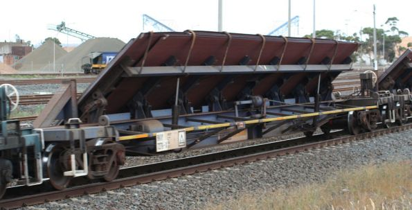 RKVY tilt bed wagon westbound for Adelaide