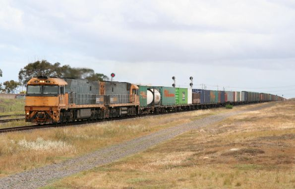 Two generic NR classes on the up through North Shore (NR35 leading NR21)