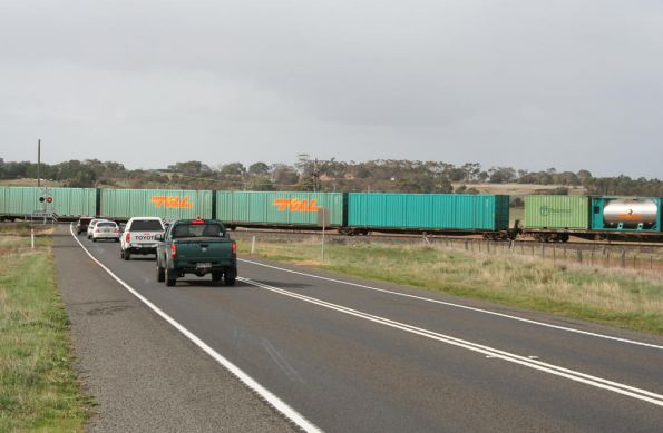 Traffic stops at the Hamilton Highway level crossing