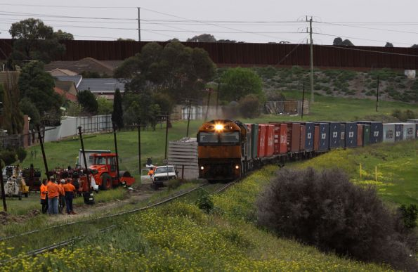 NR79 leads XRB560 and AN11 pass trackworkers at Bell Post Hill