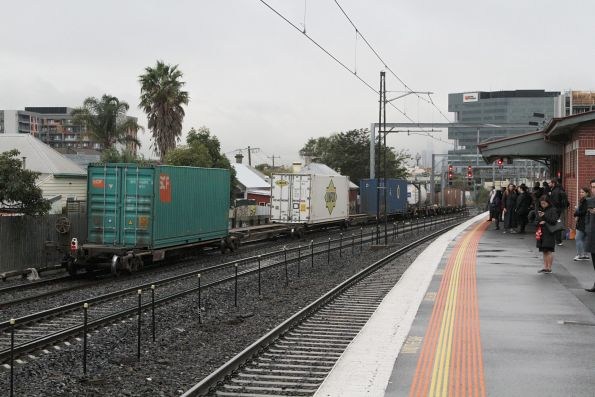 Tail end of AM5 up standard gauge freight through Middle Footscray