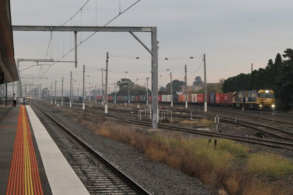 NR100 and NR68 lead PM5 past West Footscray station