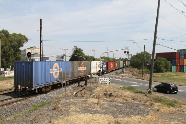 40 foot containers at the rear of AM5 at Brooklyn
