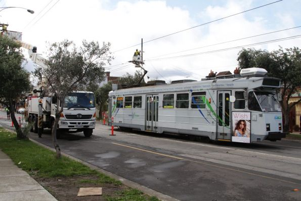 Wild winds delay Ascot Vale trams, October 2013