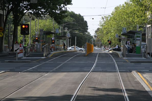 Slew in the southbound tram track at William and Little Lonsdale Street