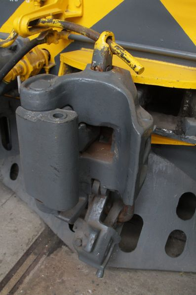 Knuckle coupler in the closed position, but with the 'pin' still up