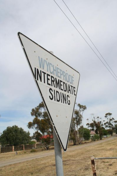 Wycheproof to Dunolly stations and infrastructure