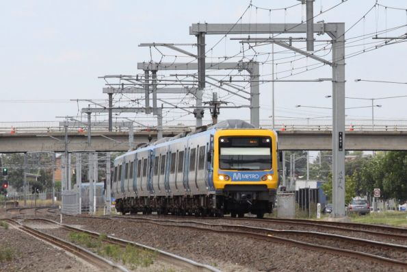 18M leads another test run to Craigieburn, running at something resembling normal line speed