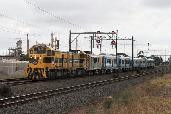 T385 leads T363 on the up X'Trapolis transfer at Altona Junction
