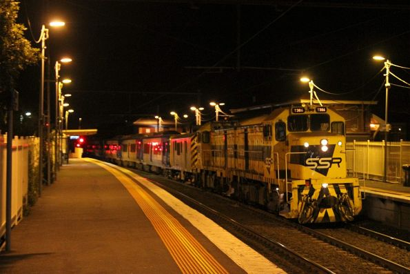 T386 leads T363 on the up at Yarraville station