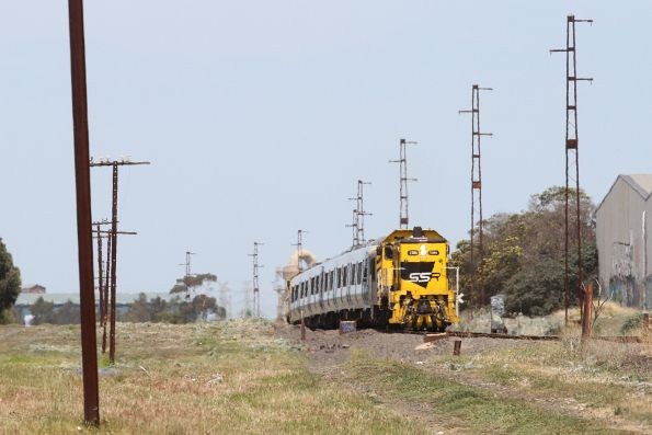 T386 leads the transfer push pull towards Sunshine ex-Newport