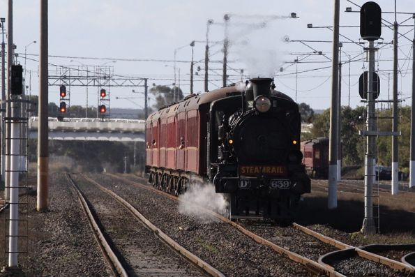 D3 in the lead at North Geelong Yard