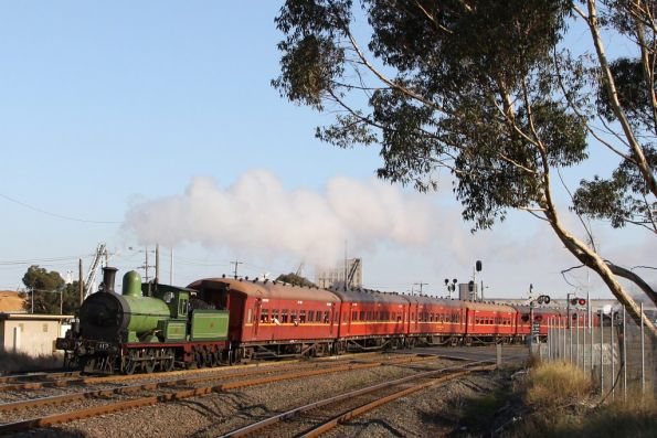 Steamrail - Y112 Geelong shuttles, April 2011