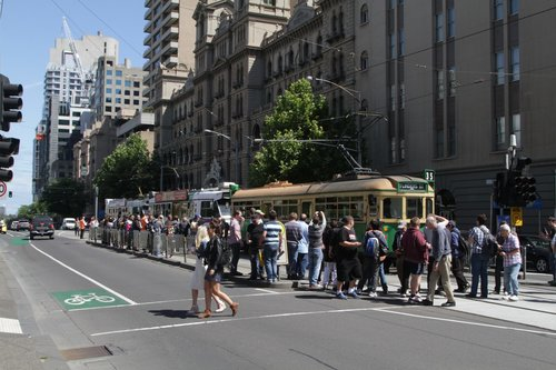 Photoline at Spring and Bourke Street as Z1.22 and Z2.101 wait behind a City Circle tram