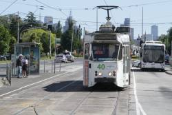 Z2.101 northbound on Queens Parade at Clifton Hill